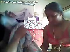 Indian Aunty gets Fucked Hard by Her Boss while at Work