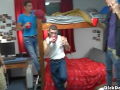 колледж мальчиков комнату в общежитии мальчиков братства братства секса