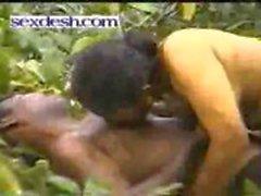 tâmil tiazinha selva ao ar livre bunda