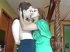 4tube amateur lesbisch mütter und jugendliche mature lesbian
