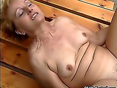 Dirty blonde mature gets fucked anal