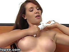 solo girl masturbation peeing brunette fetish