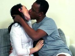 amateur morena duro hd interracial