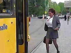 amateur bus enorme tieten