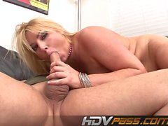 oralsex blondine blowjob