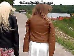 amateur college meisje dronken gangbang groepsseks
