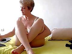 amateur french grannies webcams