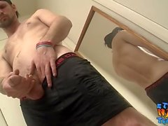 straightnakedthugs masturbation cumshot big dick big cock tatuering solo skäggiga amerikansk hunk unga män solo