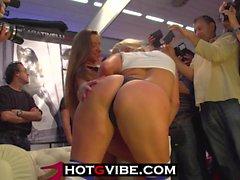 lesbiennes nudité en public gros seins les vidéos hd big butts