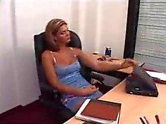 Popüler Masanın Üstünde Sikiş Videolar