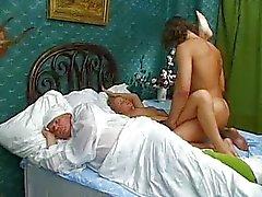 loira russo sexo vaginal casal masturbação