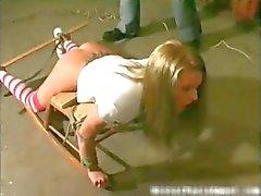 amatööri blondi sidottu fetissi