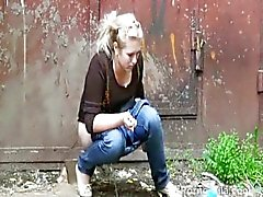 solo girl peeing russian fetish