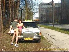 nudez em público as gargantas profundas ao ar livre táxi foder na rua