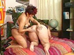 lesbisk flicka granny gammal knubbig