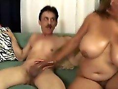 Chubby Latina Loves Oral Job