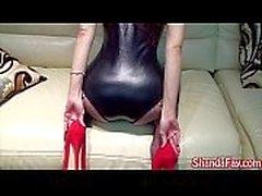 milf feet heels