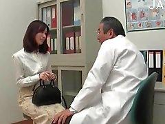 asiático peludo médico