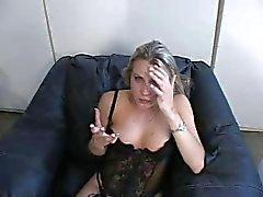 blondit hardcore alusvaatteet vuotias nuori