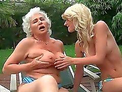 oma lesbisch lesbische mütter lesbischen sex lesbian sex movies