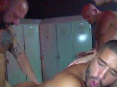 гей без седла медведи групповой секс