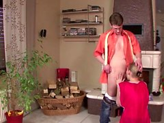 Er fickt die Teen Putze - He fuck the german teen maid