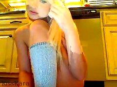 amateur blondine kleine titten solo teenager