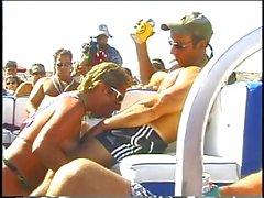 blowjobs gros seins blondes sexe en groupe nudité en public
