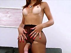Sexy tranny Gabrielli Bianco needs a huge cock