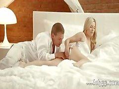 baby blondine blowjob abspritzen handjob