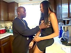 blowjobs gezichtsbehandelingen zwart en ebony brunettes milfs