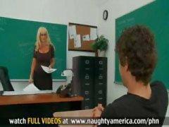 baby big tits blondine blowjob klassenzimmer