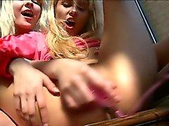 blond doigté lesbienne masturbation