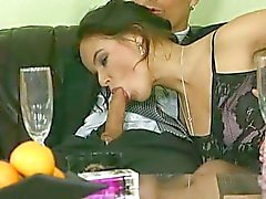 ryhmäseksiä emättimen seksiä suuseksiä anaaliseksiä tuplamunat