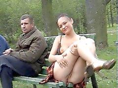 de plein air clignotant étudiante nudité en public russe