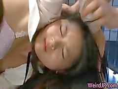 amatööri aasialainen tyttö isot tissit