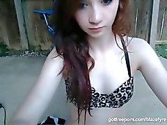 brunett onani petite fitta redhead