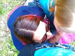 Public Threesome at the Сity Park: Stranger joined a Blowjob