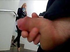 parpadea masturbación desnudez pública