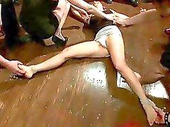 bdsm bunden offentlig slav exhibitionism kvinnlig förödmjukelse