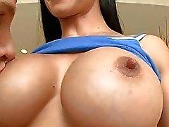 grote borsten grote borsten grote tieten
