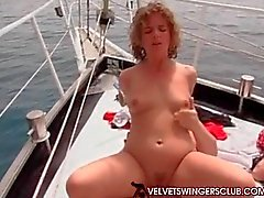 amateur cuckold gangbang group sex