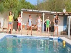 girls naked pool