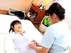 asiático dedilhado peludo japonês lésbica