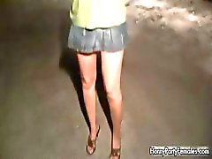amateur bar brunette dronken knipperlicht