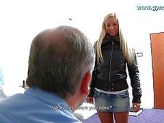 blondjes seksspeeltjes close up