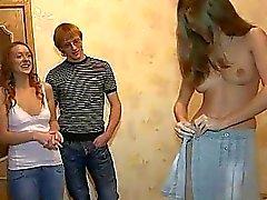 ryhmäseksiä seksiä orgiat teini-ikäinen teini suihin toiminta