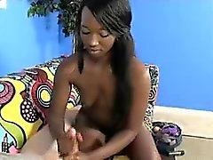 schwarz und ebony abspritzen handjob