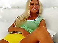 blondjes leuke solo tieners erotische tieners onschuldige amateur tiener