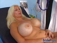 pornstar grote borsten volwassen blond